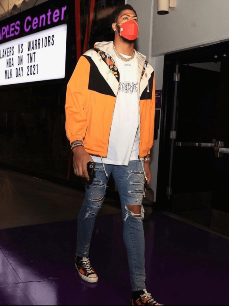 anthony-davis-arrives-for-lakers-versus-warriors-1-18-21