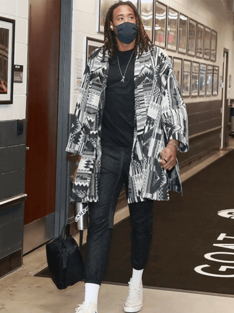 deandre-jordan-sticking-with-the-black-and-white-for-his-game-vs-the-magic-1-18-2021
