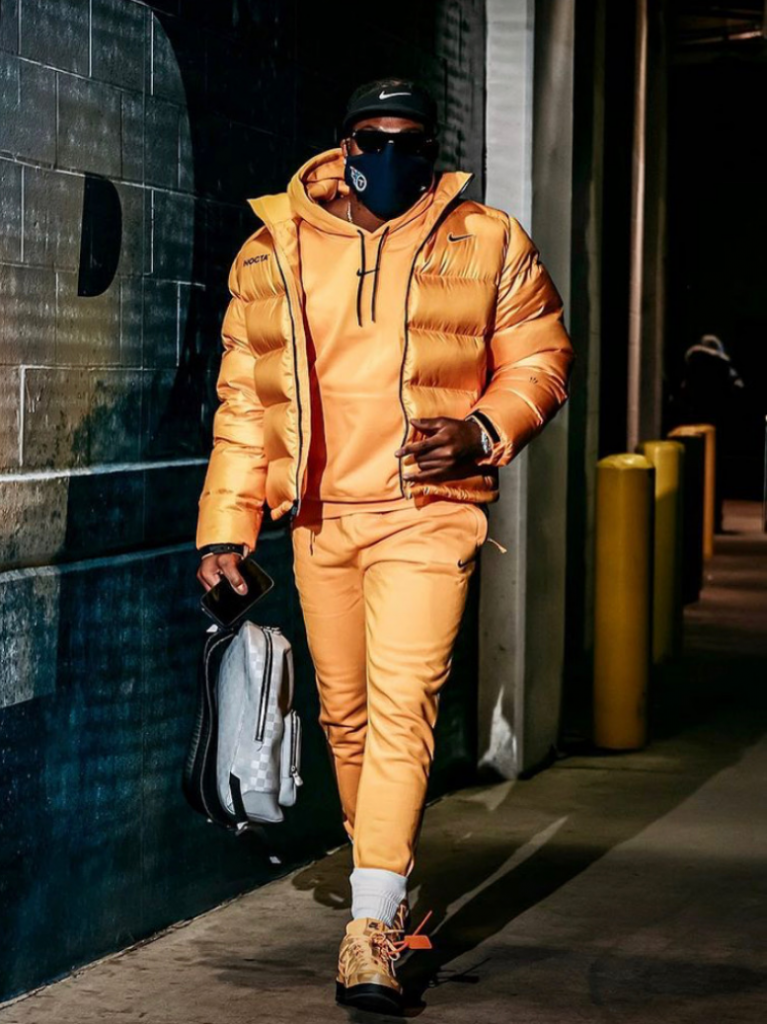 derrick-henry-drippin-in-gold-before-the-titans-take-on-baltimore