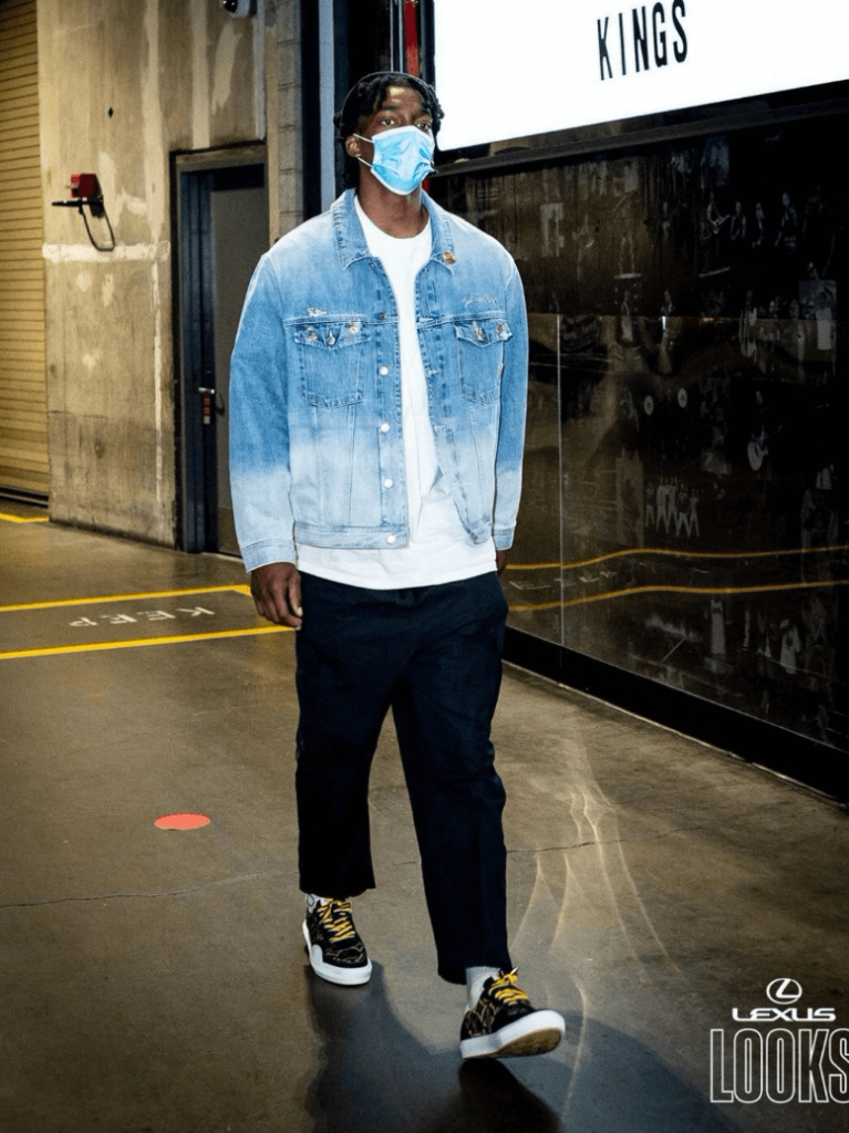 terance-mann-checks-into-the-office-with-a-looney-tunes-denim-jacket