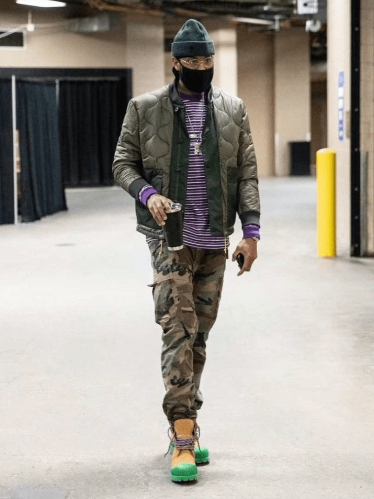 carmelo-anthony-arriving-for-his-win-over-the-sixers-2-04-2021
