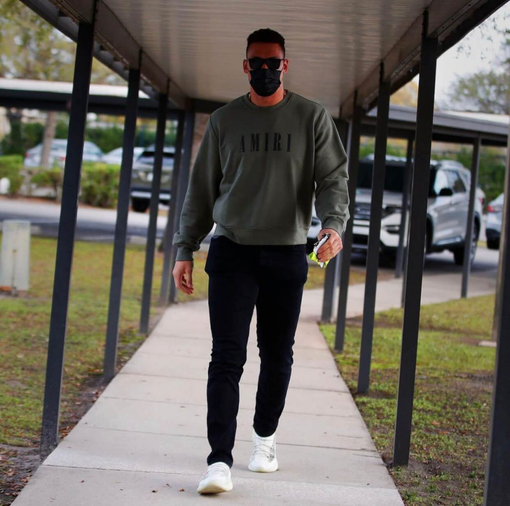 aaron-judge-arriving-for-spring-training-02-22-21