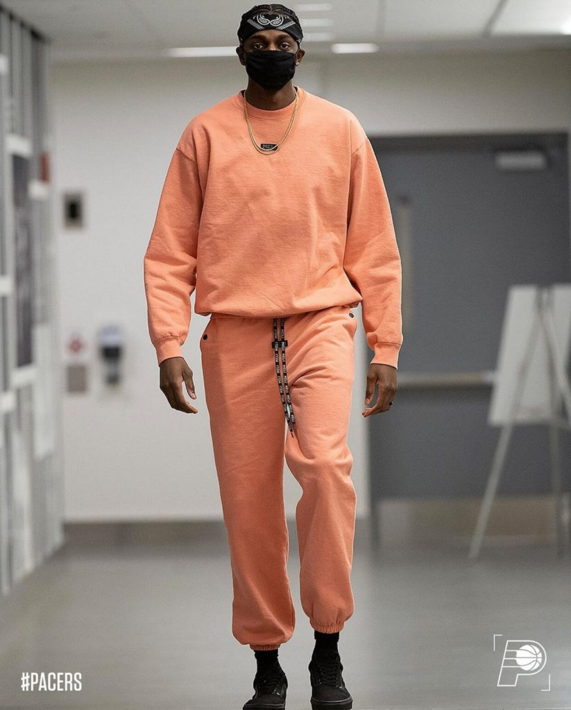 justin-holiday-in-meli-sweatsuit-02-24-21