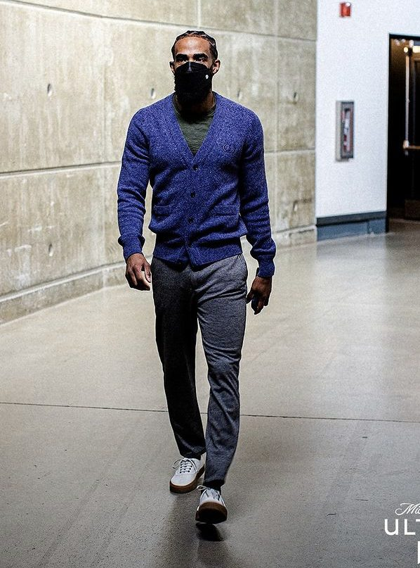 mike-conley-arrives-in-dior-04-11-21