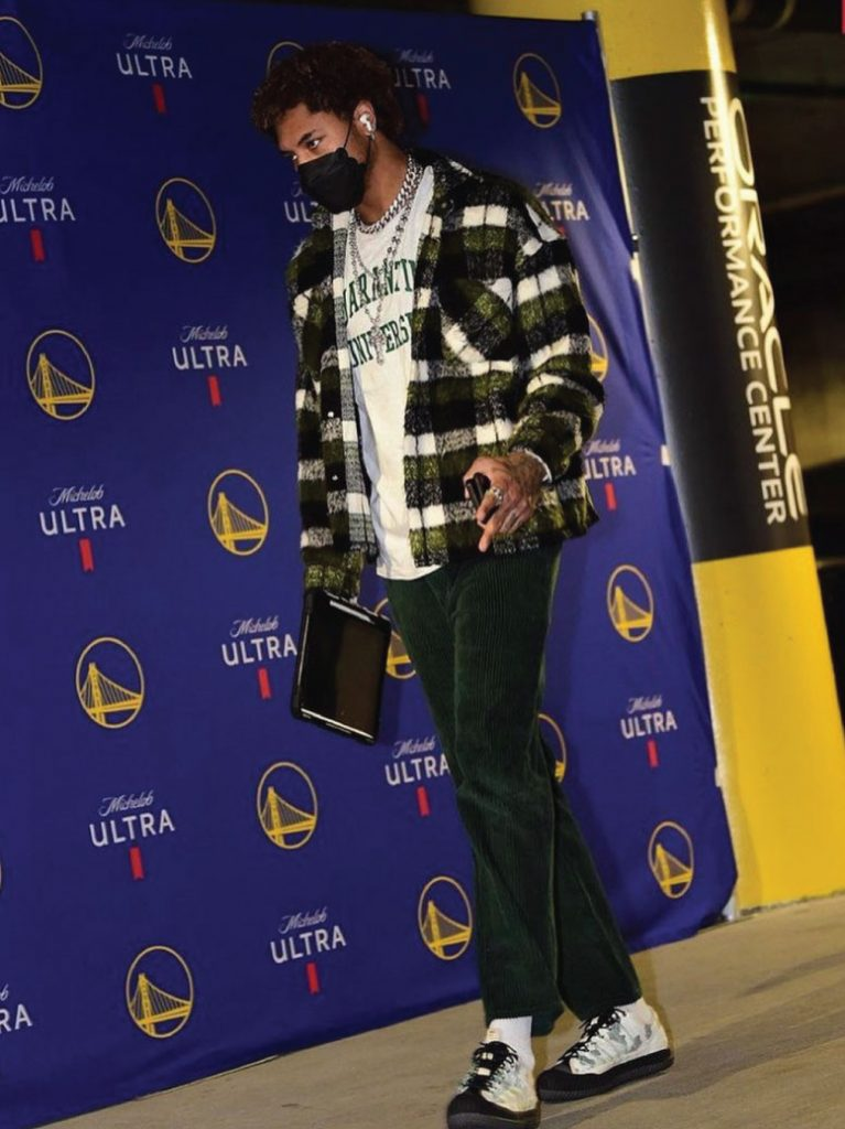 kelly-oubre-jr-shows-up-in-a-quarantine-university-tee-04-25-21
