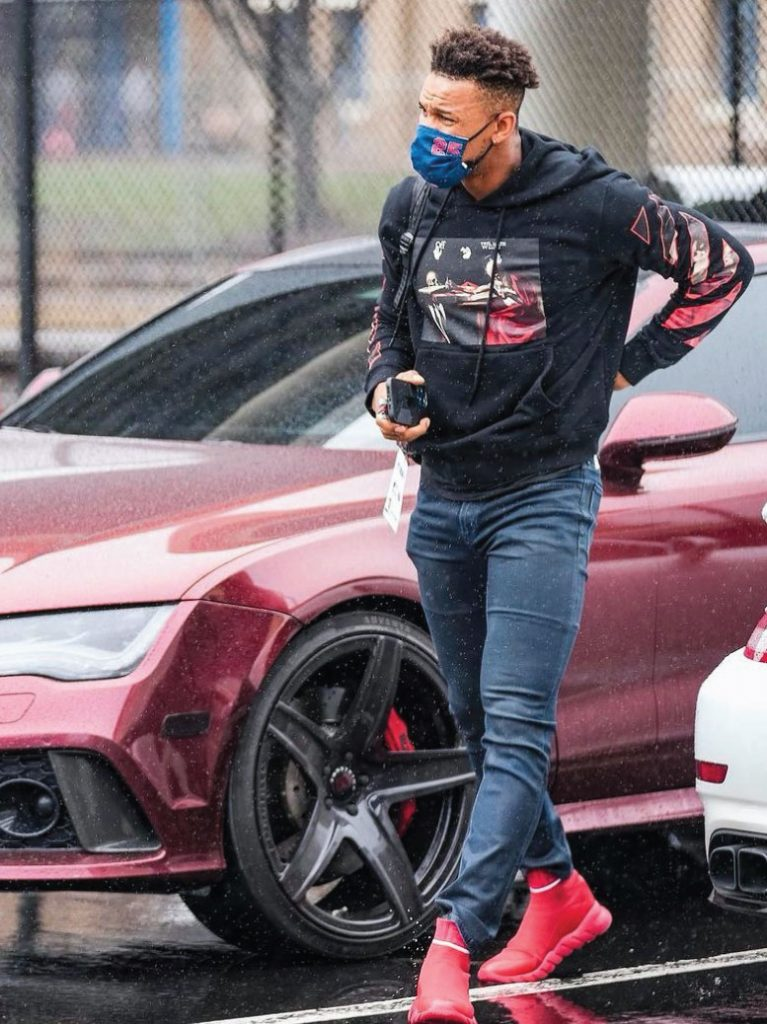 byron-buxton-in-off-white-hoodie-04-08-21