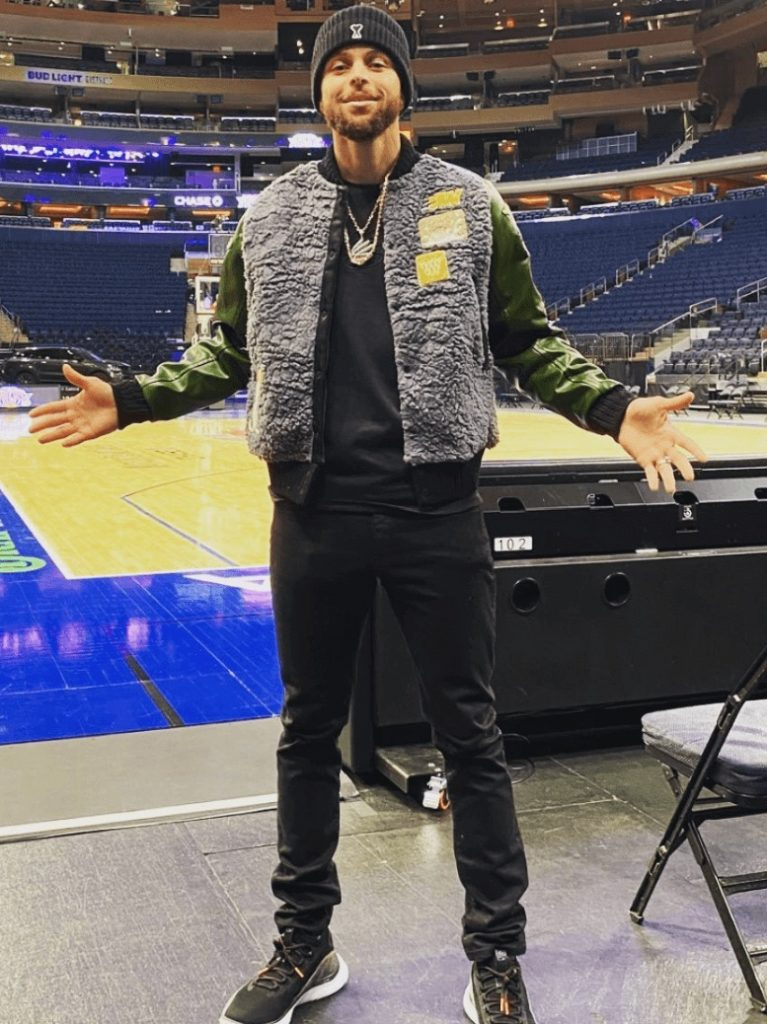 stephen-curry-reppin-his-brand
