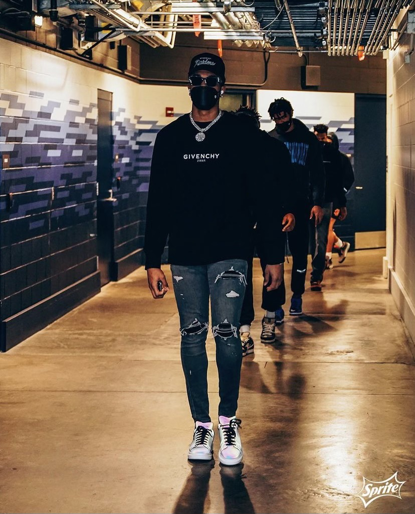 p-j-washington-styling-givenchy-ahead-of-the-first-play-in-game-05-18-21