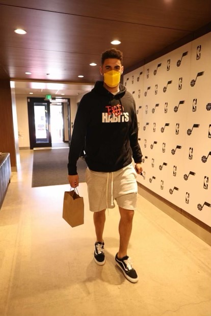 georges-niang-styling-vlone-bad-habits-hoodie-05-21-21