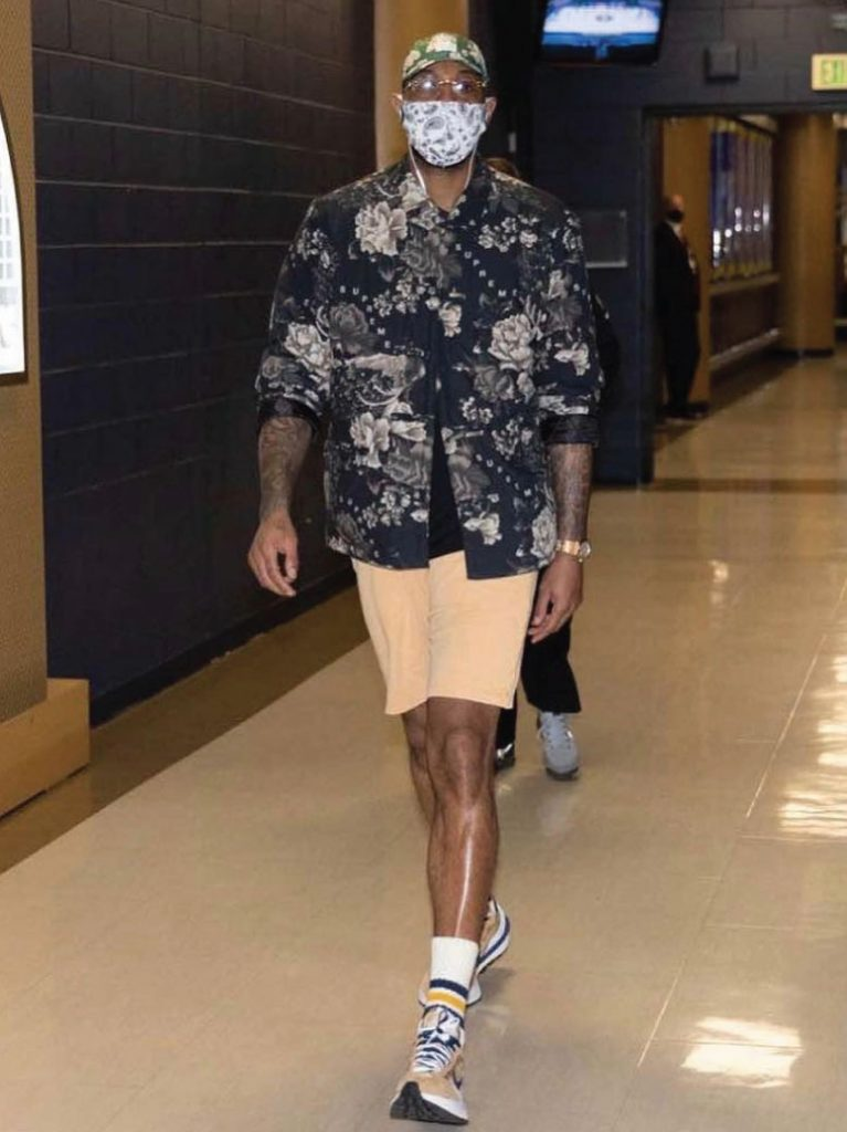 carmelo-anthony-arrives-for-blazers-vs-nuggets-game-1-05-22-21
