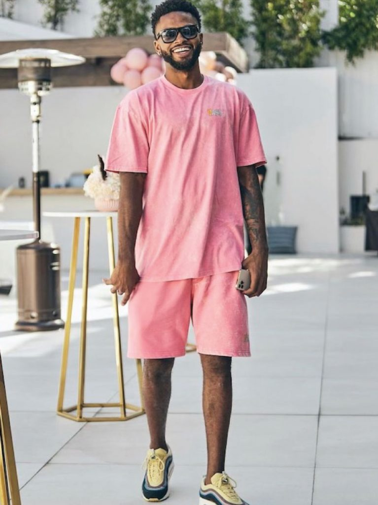 troy-daniels-in-matching-vans-t-shirt-and-shorts-05-19-21