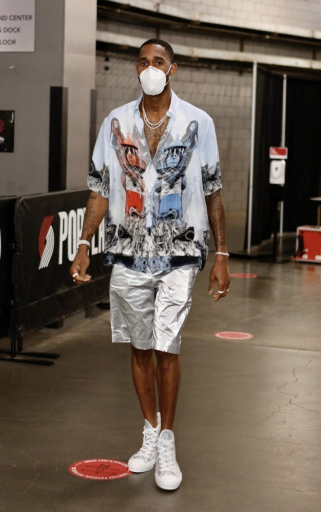 metallic-vibes-from-will-barton-on-the-sideline-for-game-6-3-3-21
