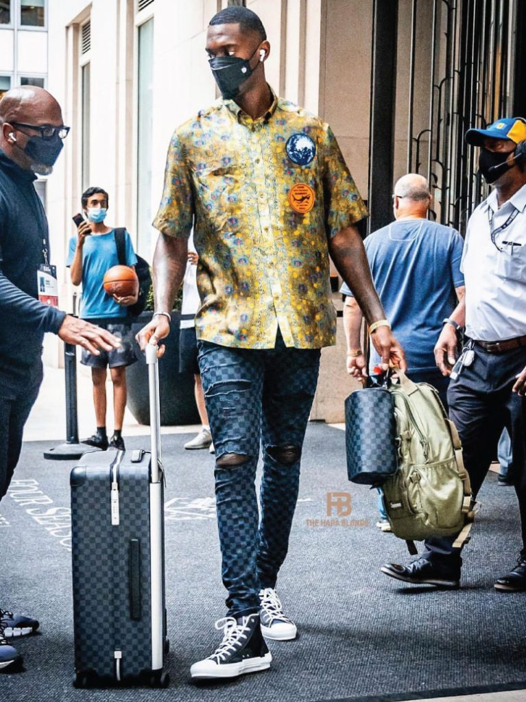 bobby-portis-arriving-in-nyc-06-21-21