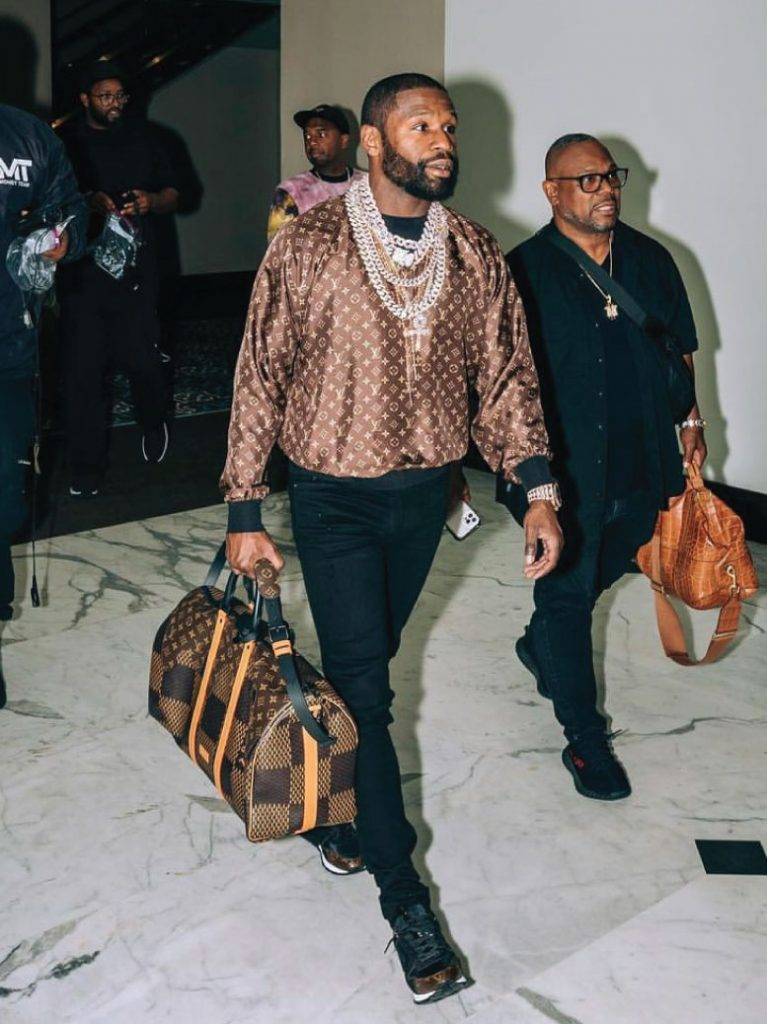 floyd-mayweather-dripped-in-louis-vuitton-6-26-21