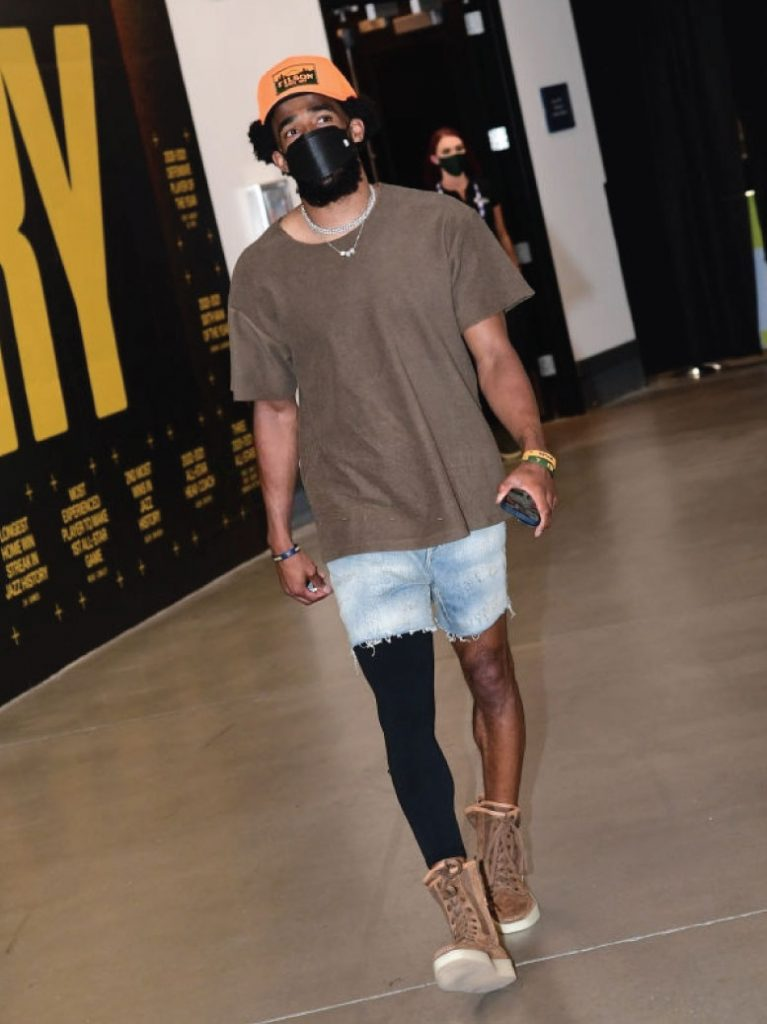 mike-conley-arriving-for-game-5-vs-clippers-06-17-21