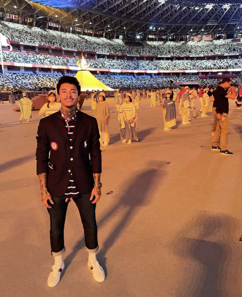 nyjah-huston-taking-in-the-olympics-opening-ceremony