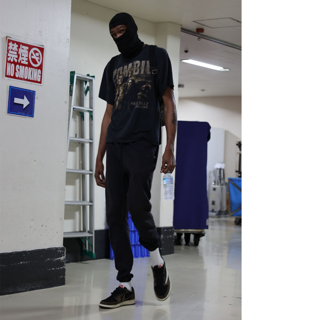 kevin-durant-arriving-for-czech-republic-for-the-3rd-game-of-the-olympics