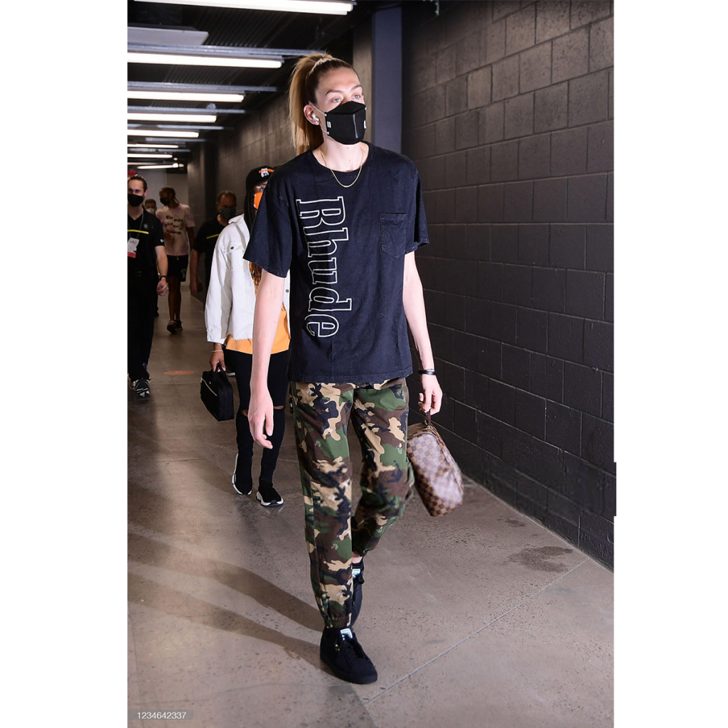 breanna-stewart-arriving-for-storm-x-sky-game-sunday-night