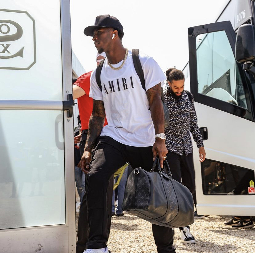 tim-anderson-arriving-to-the-field-of-dreams-game-in-amiri