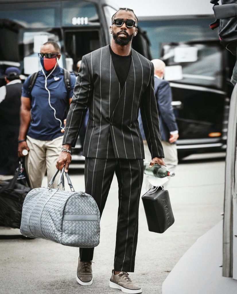 tyrod-taylor-suited-up-for-preseason-game-1-of-the-new-season