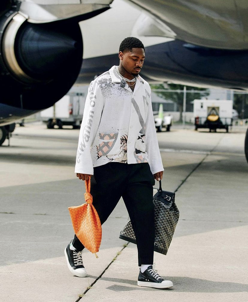 stefon-diggs-headed-to-preseason-game-2-in-style