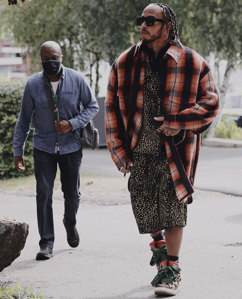 lewis-hamilton-head-to-toe-in-lanvin-arriving-for-belgiangp-media-day