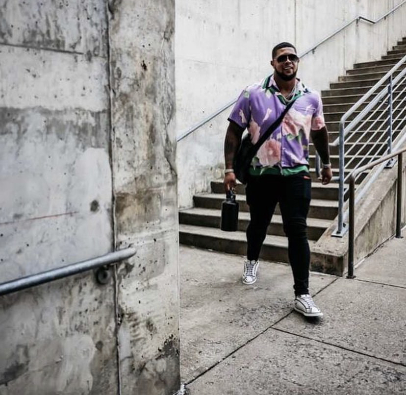 floral-vibes-from-rodger-saffold-week-1-fit