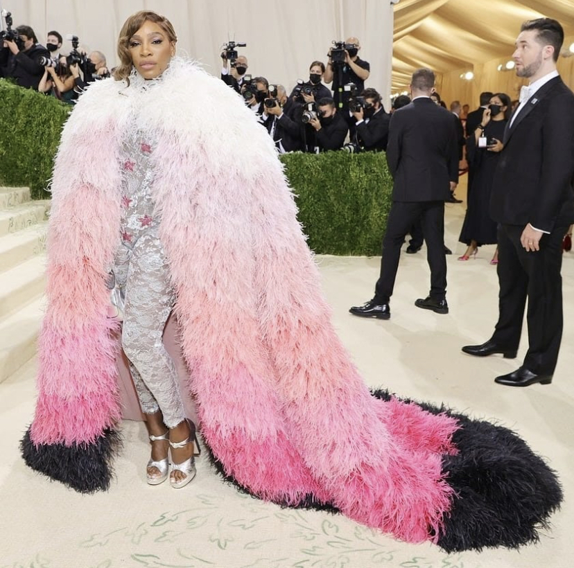 serena-williams-at-the-2021-met-gala-styling-in-gucci