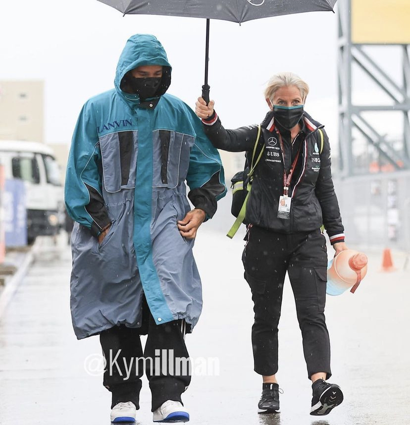 rainy-day-at-russian-grand-prix-for-lewis-hamilton