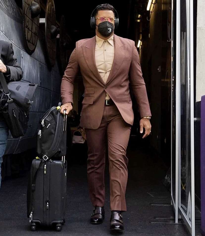 russell-wilson-suited-up-for-week-3-as-his-seahawks-played-the-vikings